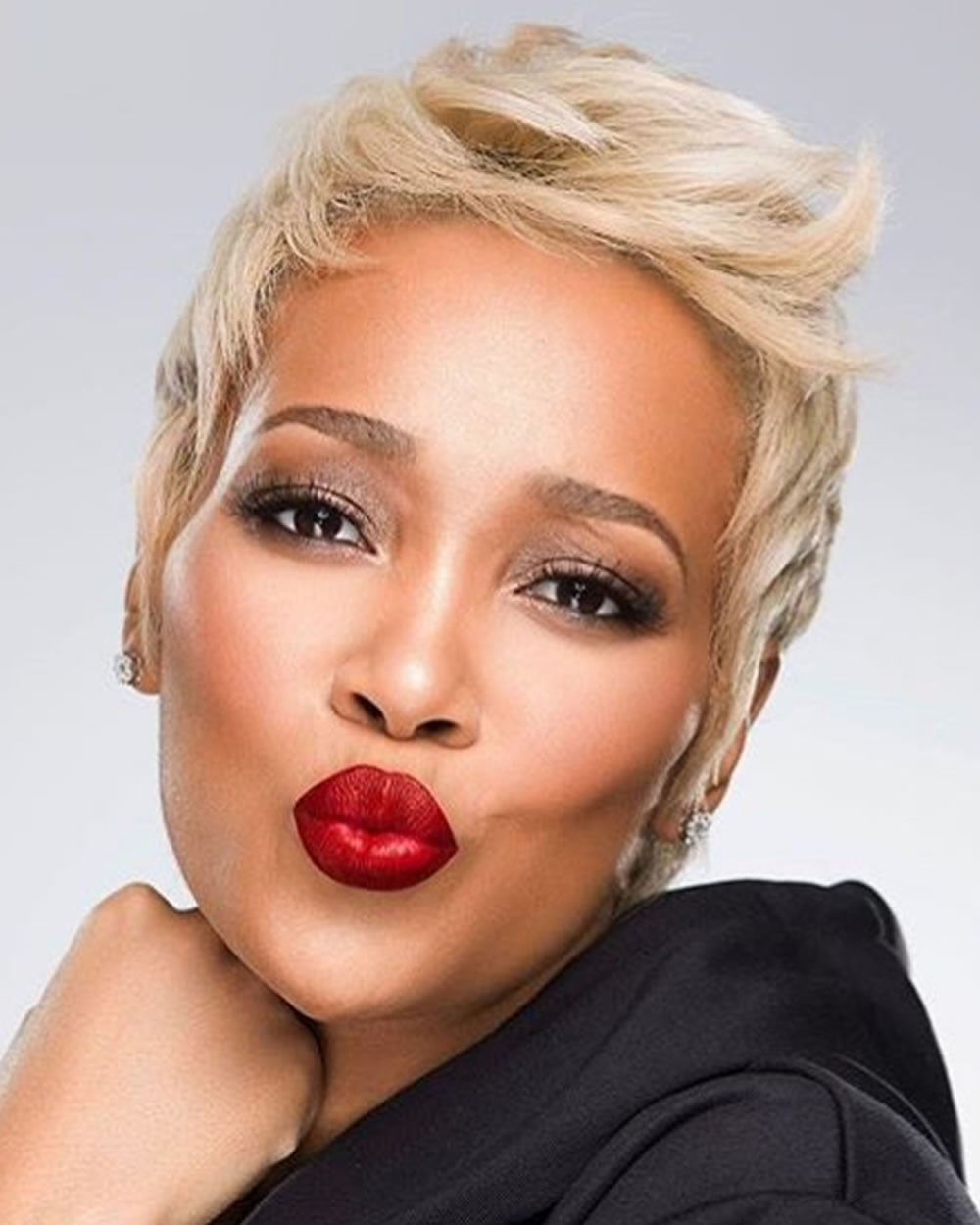 short hair styles women over 40 2018 haircuts for black 40 with hair 3335 | Short Haircuts for Black Women Over 40 with Fine Hair 17