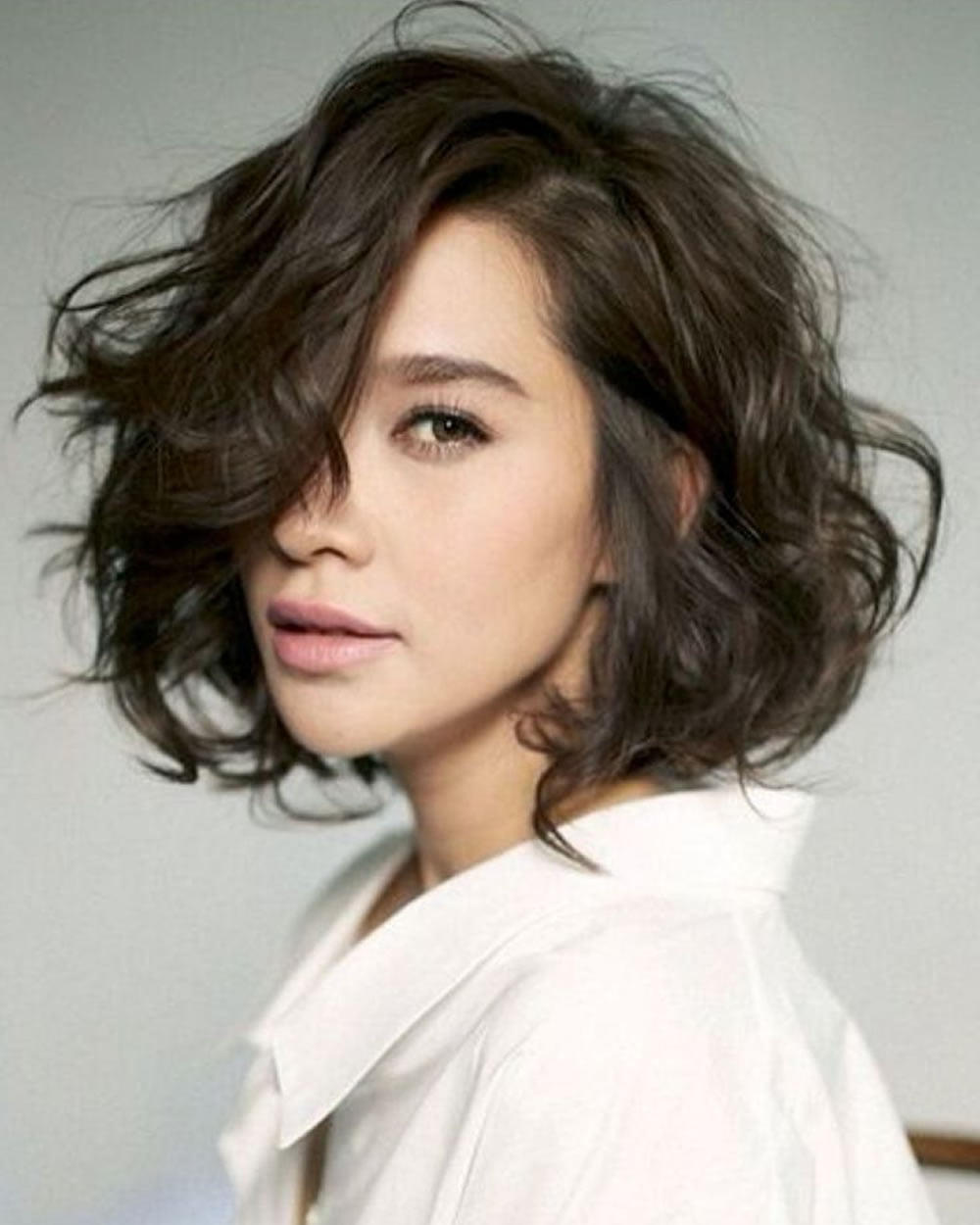 wavy short hairstyles and haircuts with long bangs for 2018-2019