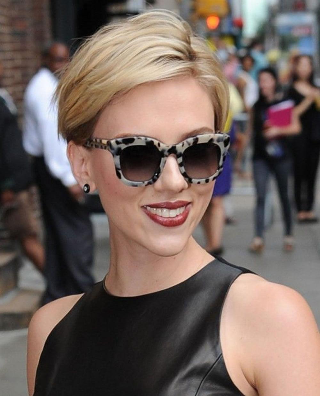 Scarlett Johansson's Hairstyles 2018 & Bob + Pixie Hair for Short Hair
