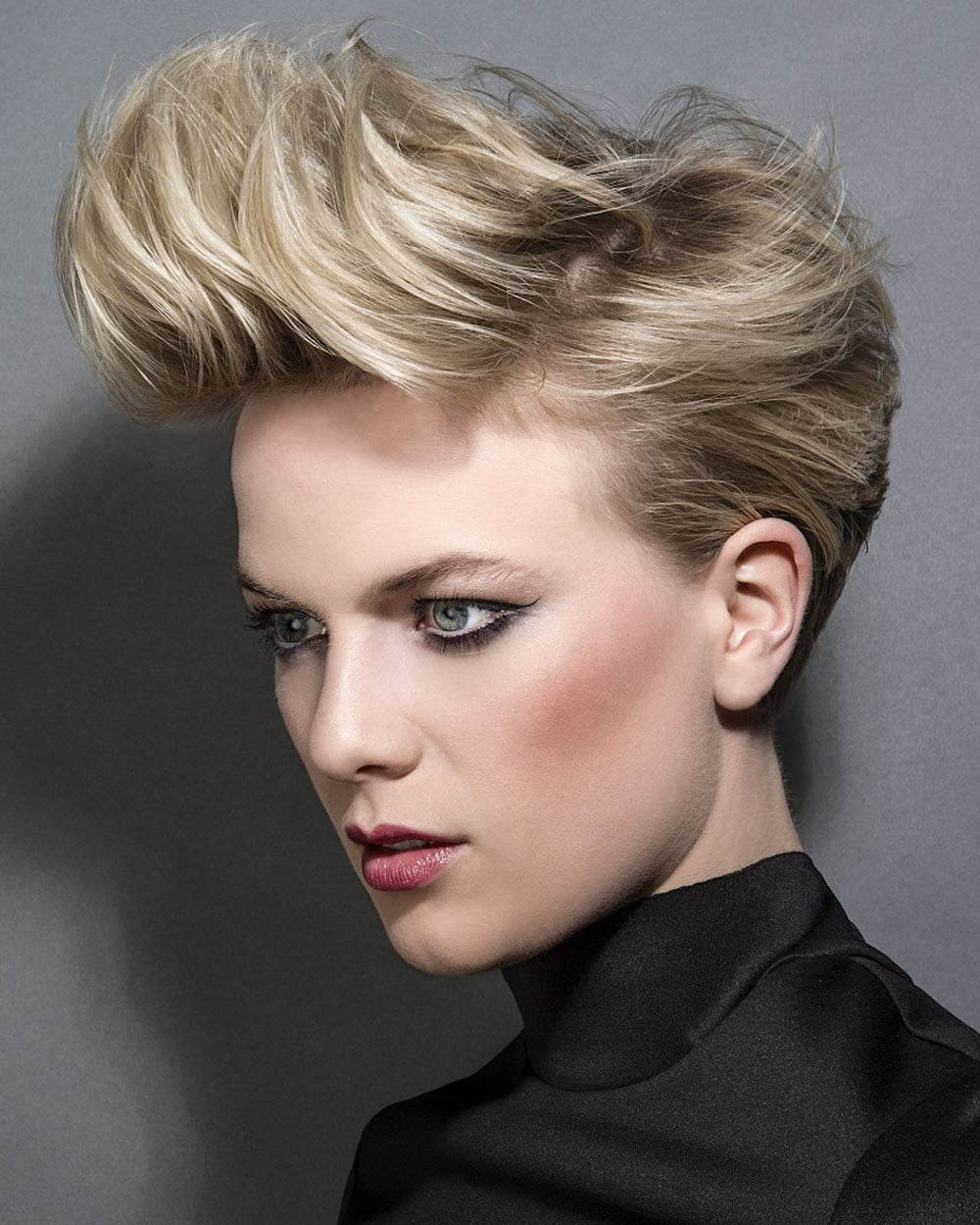 2018 Pixie Hairstyles for Short Hair & Easy + Fast Pixie ...