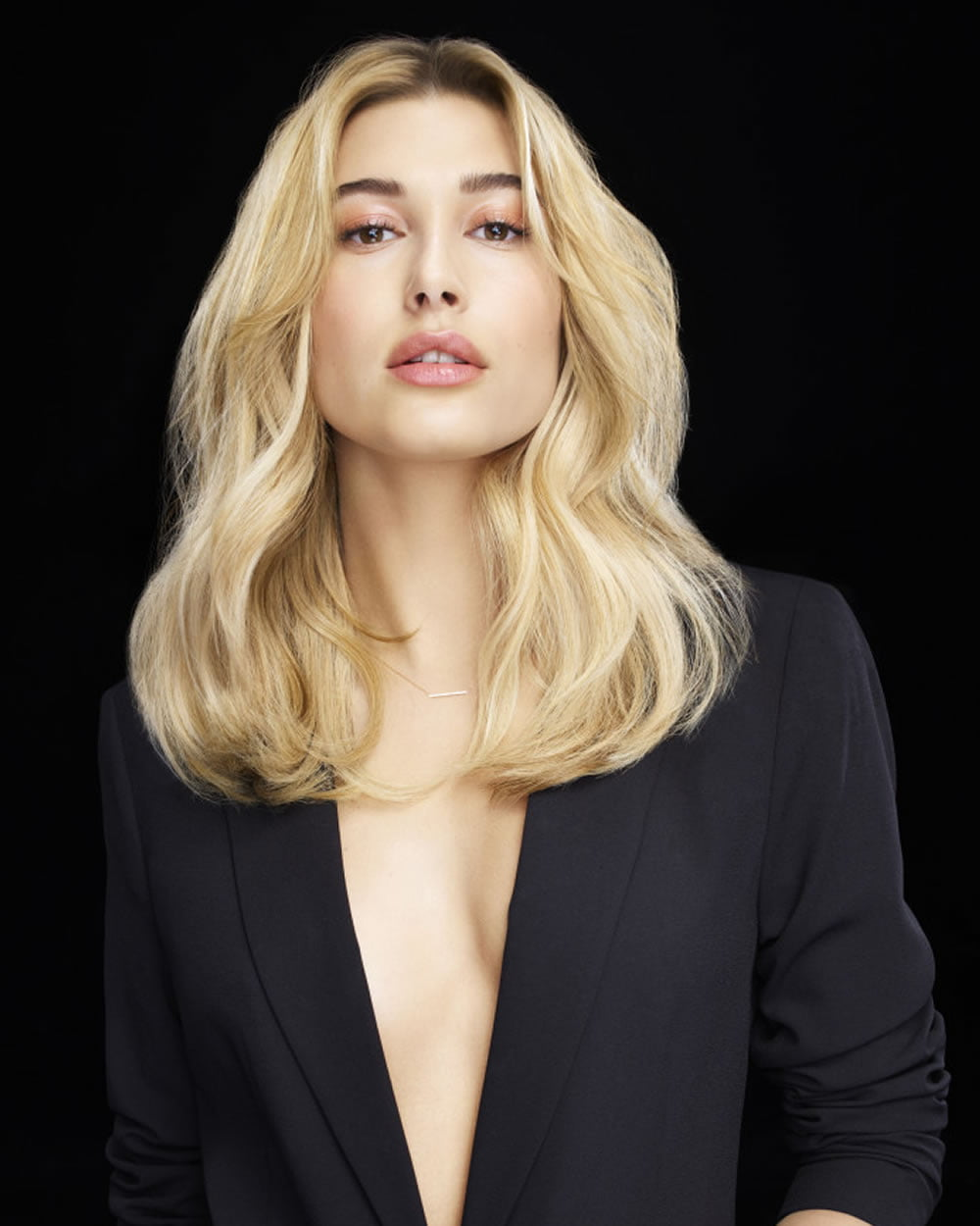 the best 2018 medium haircuts and hair colors for