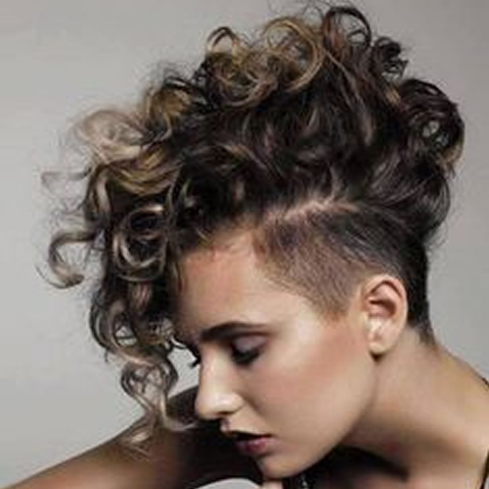 2018 Undercut hair design for girls - Pixie hairstyle +Short haircut image