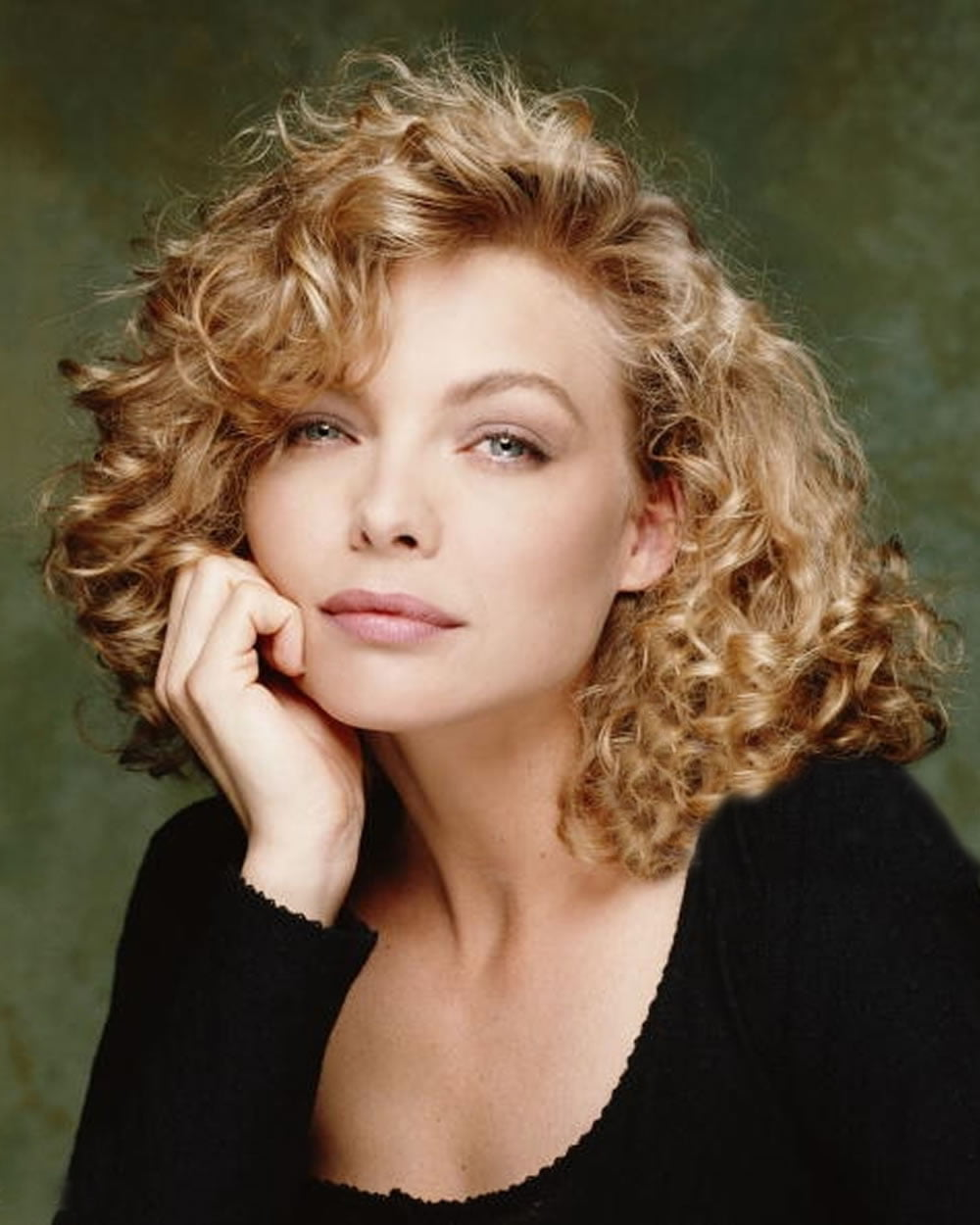 Trendy Wavy Curly Haircuts For Older Women Short Medium And