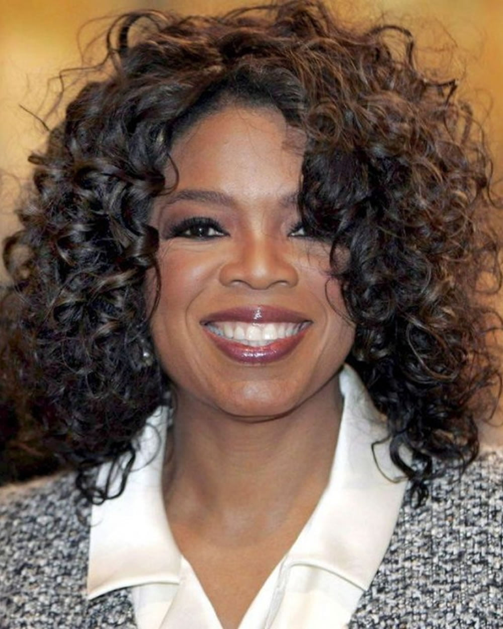 Trendy Wavy & Curly Haircuts for Older Women – Short ...