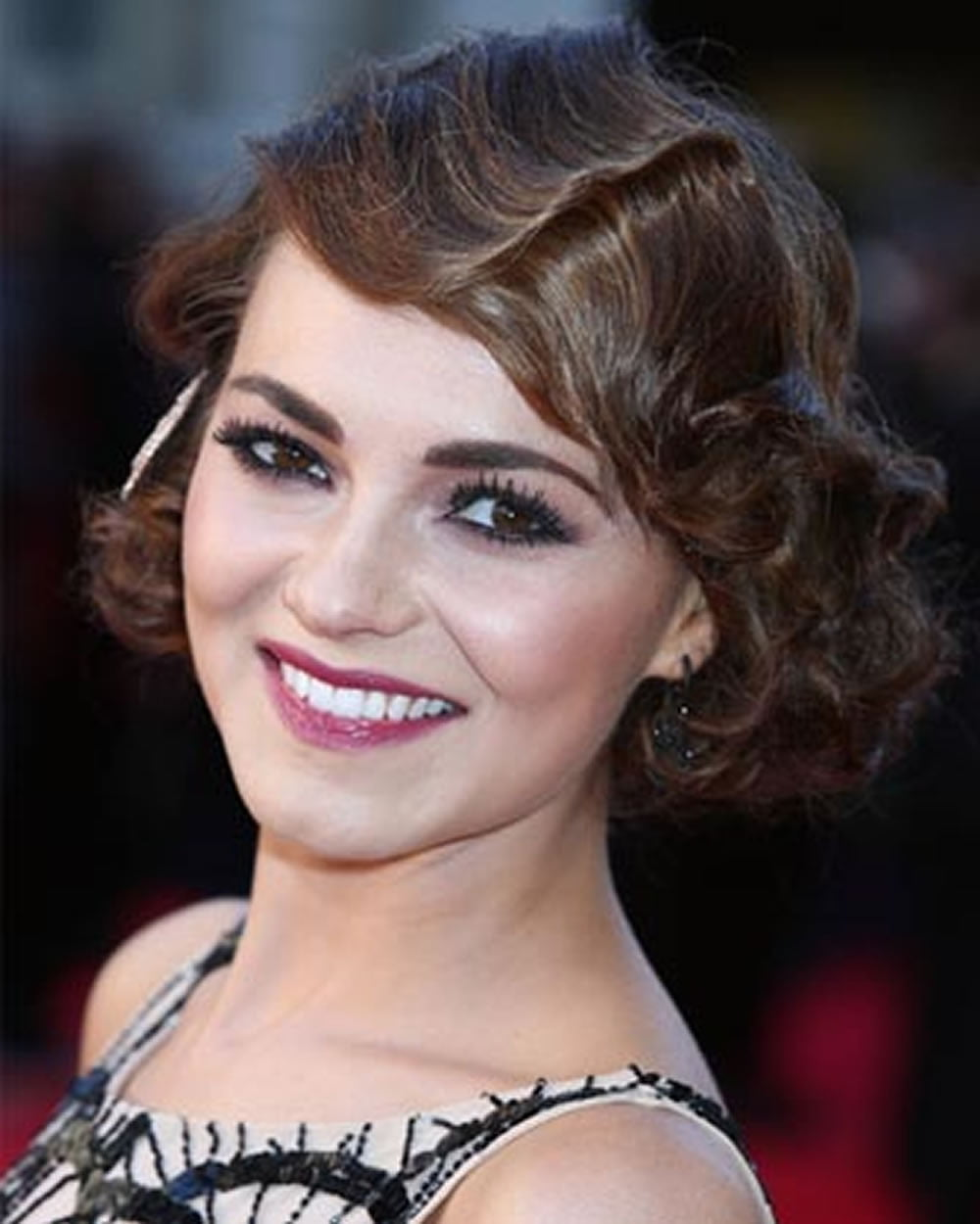 Hairstyle: 25 Modern Finger Wave Short Bob Haircut & Hairstyle Images