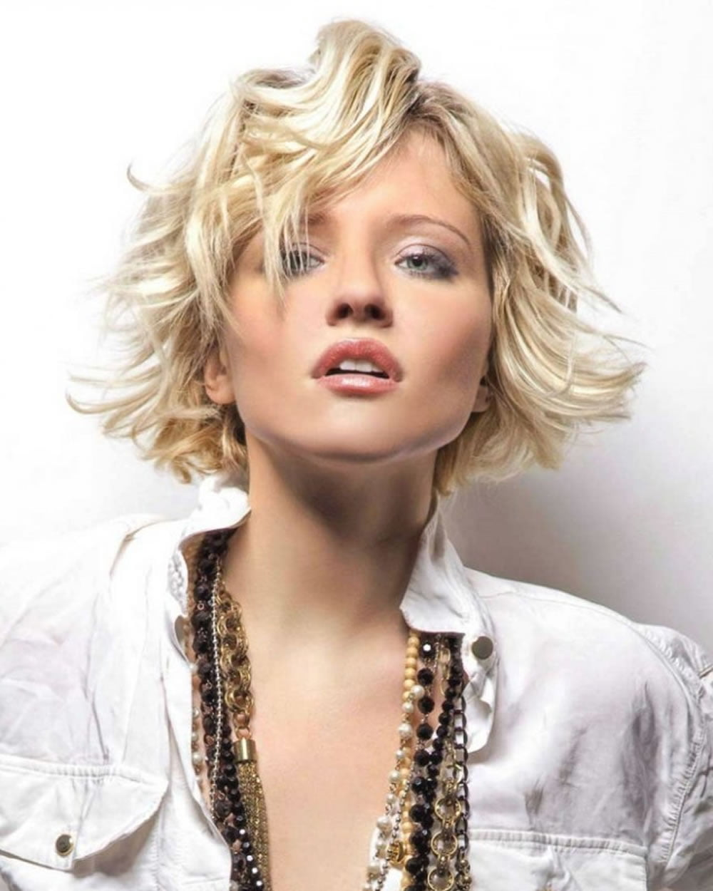 29 Top Medium Bob Haircuts Amp Layered Wavy Curly Etc Bob