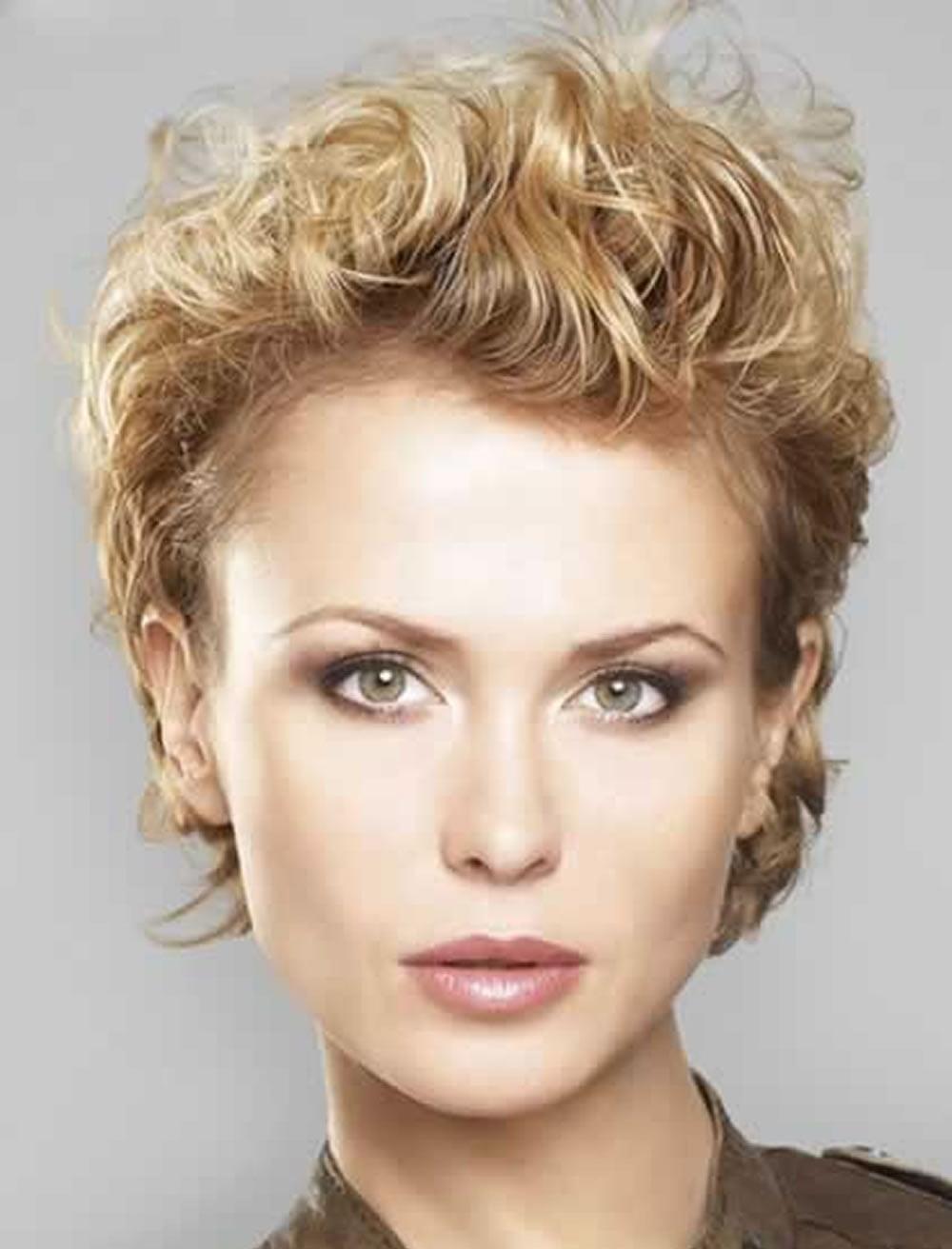Излишнее нанесение этих моделирующих средств может привести к негативному результату, волосы начнут выглядеть грязными и неухоженными.