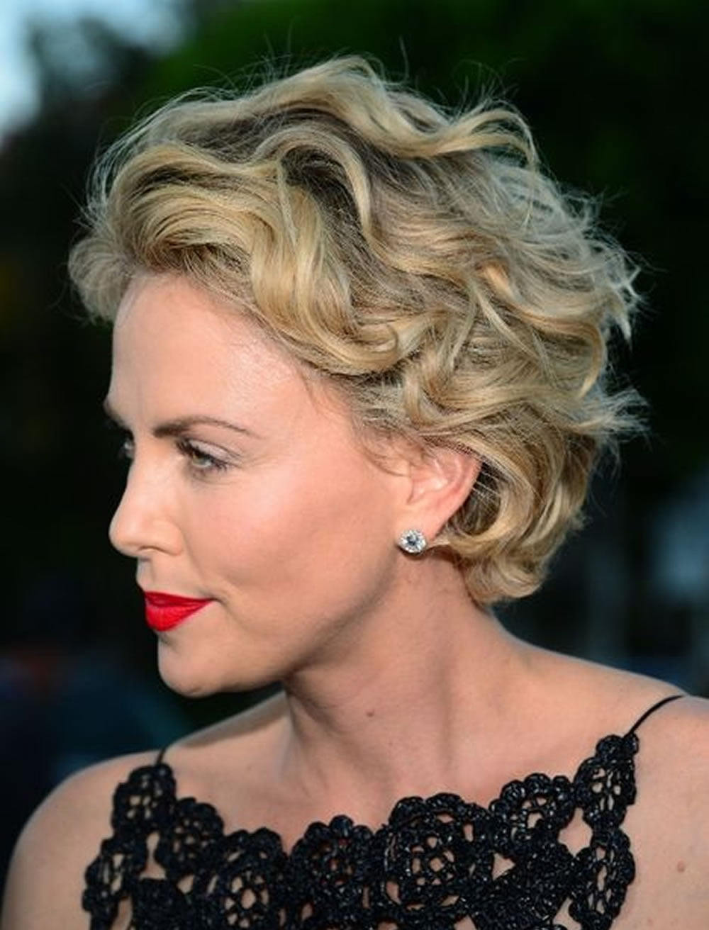 how to make short hair curly