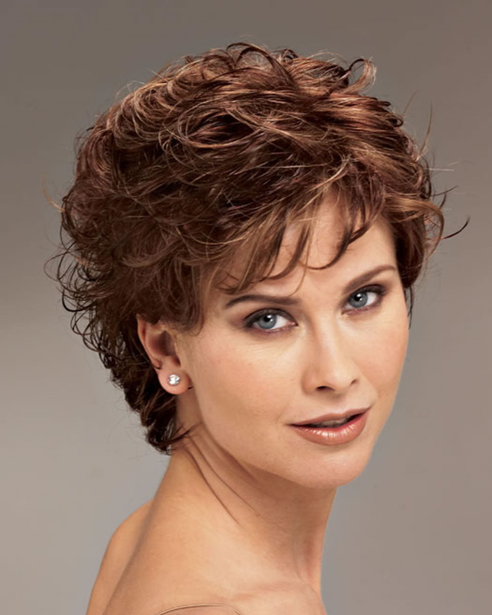 haircuts for curley hair 22 popular hairstyles for curly hair pixie bob 4534