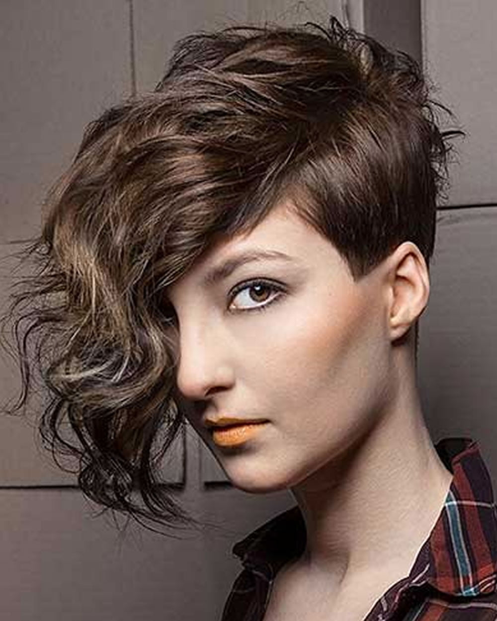 Short Curly Asymmetrical Bob Haircut for Fine Hair in 2020 - Page 2 - HAIRSTYLES