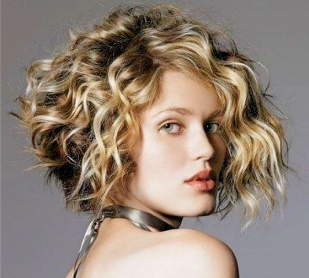 curly hair color styles 30 trendy curly bob haircuts and hair colors for 8521