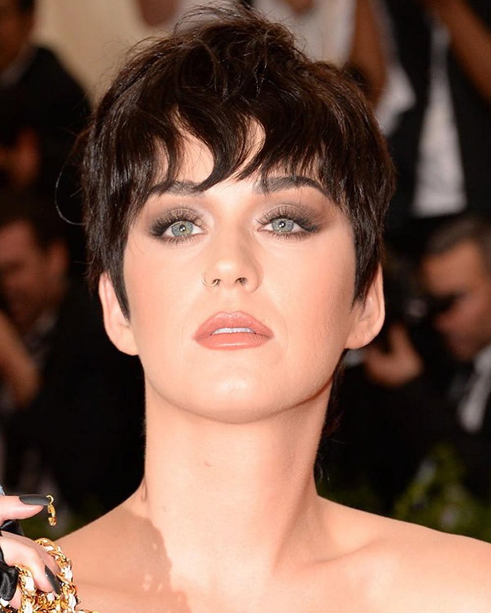 60 Best Short Haircuts of Famous Women – Cool Short ...