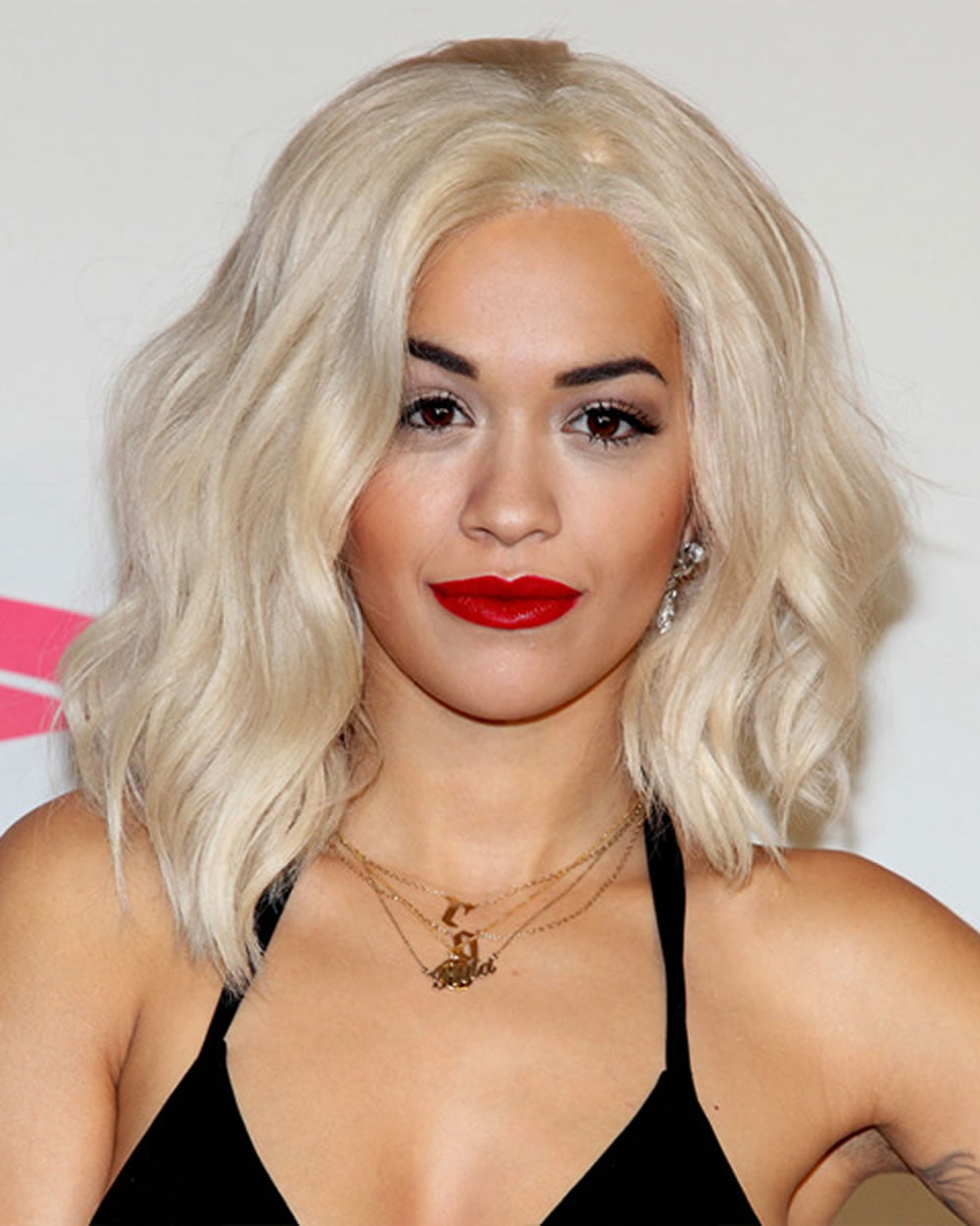 Rita Ora's Short Hairstyles (Pixie + Bob) for 2018 ...