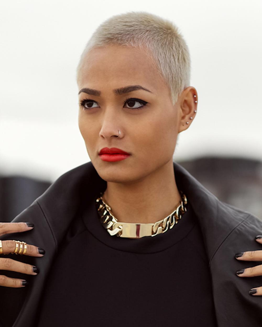 63 Best Short Haircuts of Famous Women - Cool Short ...