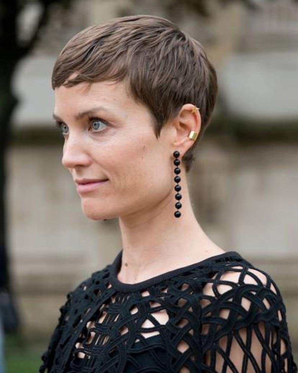 Feminine very short hairstyle
