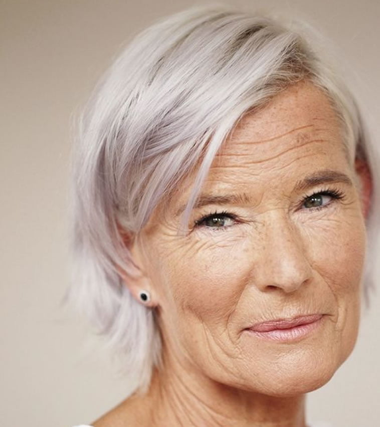 35 cool short hairstyles for women over 60 in 20212022