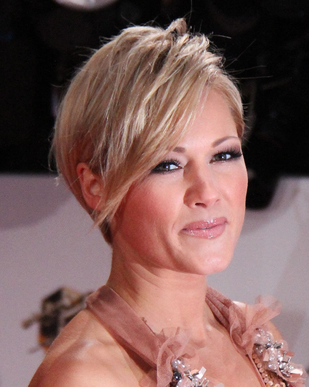 Feminine Short Hairstyles and Very Short Pixie Hair Colors – Page 6 ...
