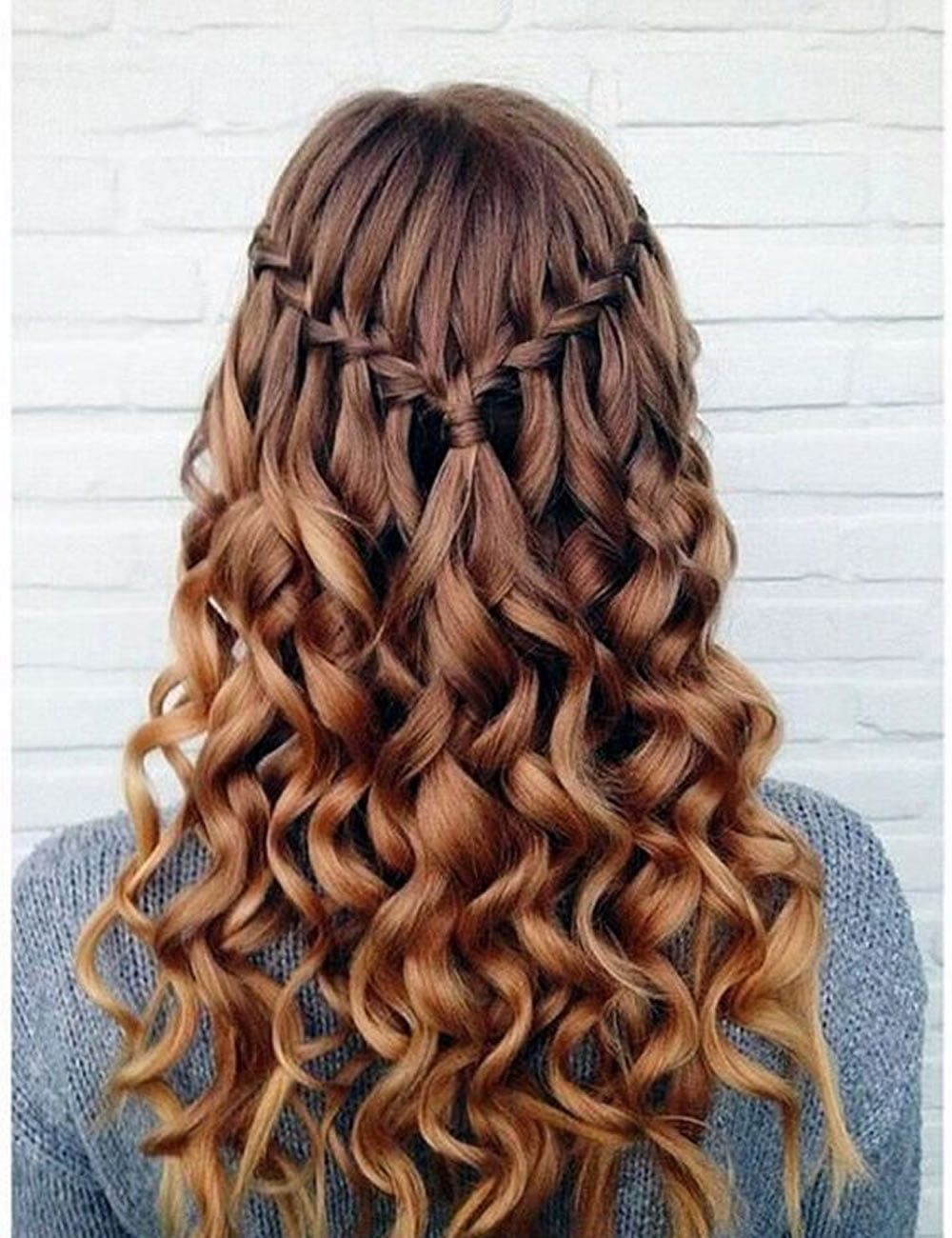 Waterfall curly back to school hairstyles