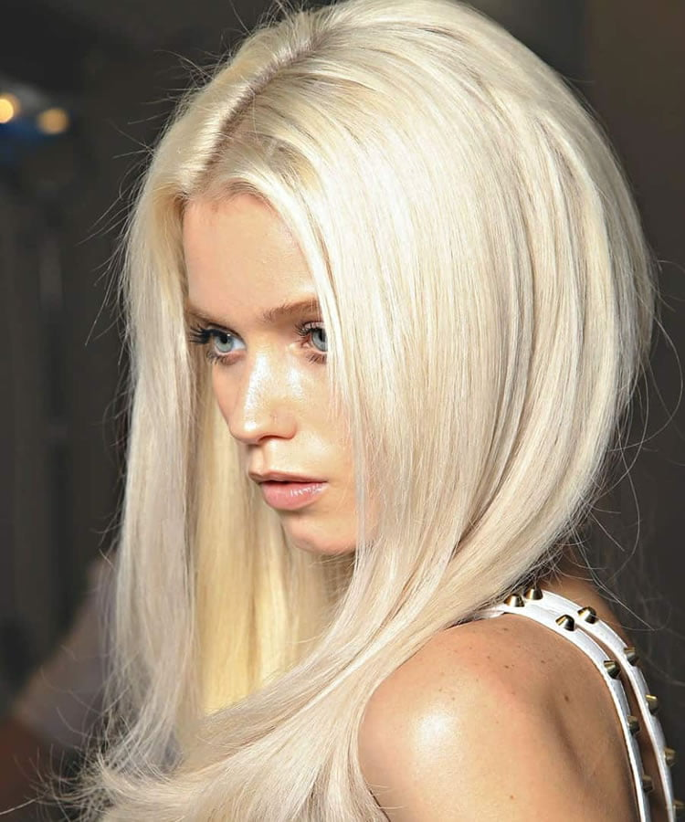 Highlight blonde hair