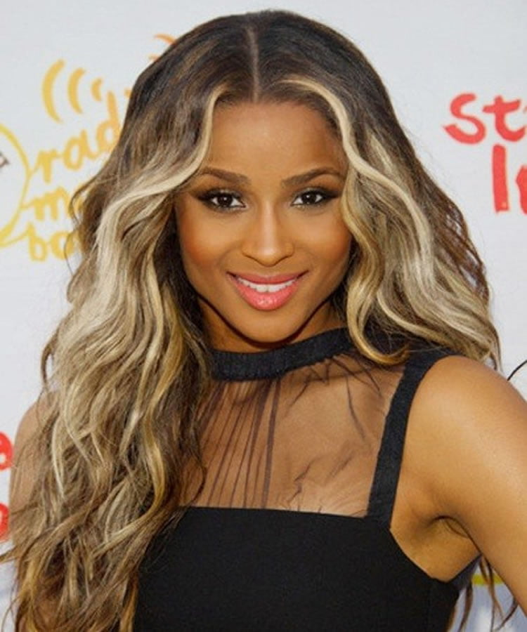 wavy long hairstyle for black women