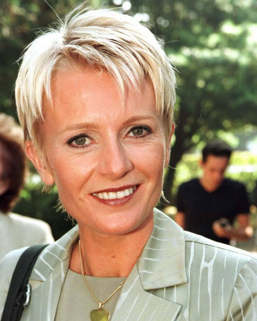 Pixie haircut for older women over 50