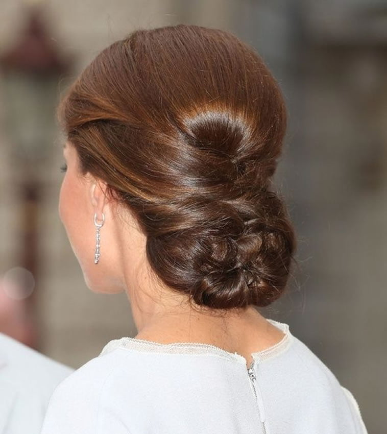 Hairstyles Wedding Party: Bun Hairstyles For Wedding Or Party Hair 2020