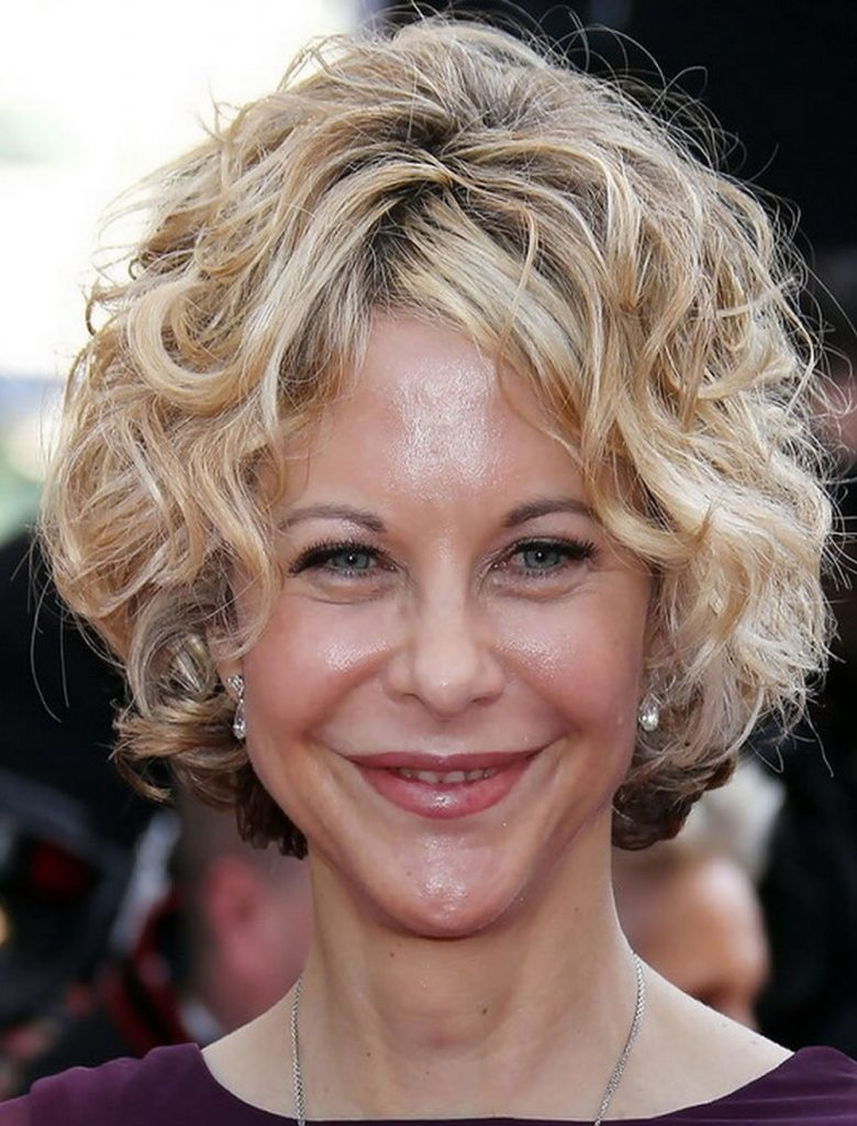 Curly Short Hairstyles for Older Women Over 40,50, 60 ...