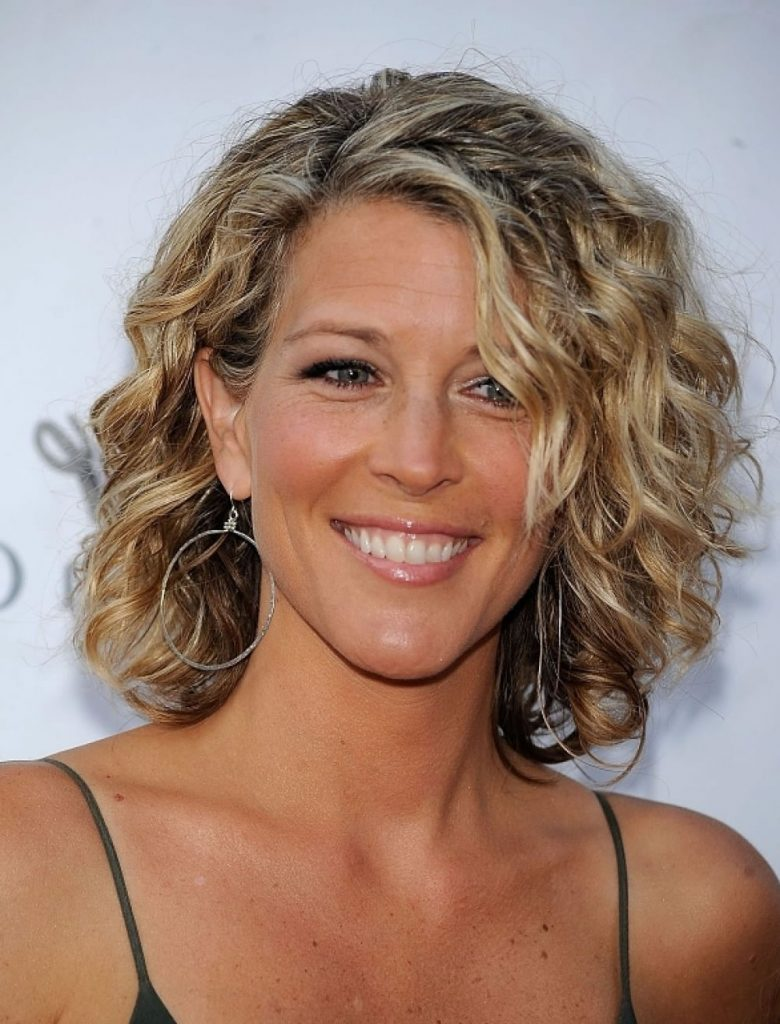 Curly Short Hairstyles for Older Women Over 40,50, 60 Years - Page 3 - HAIRSTYLES