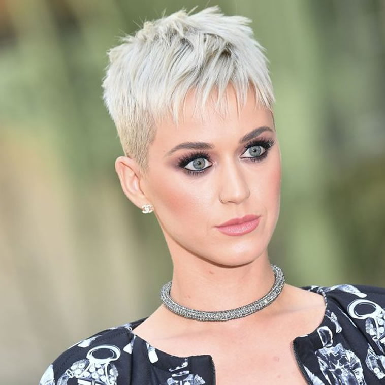 100+ Very Stylish Short Haircuts And Images For Women Of