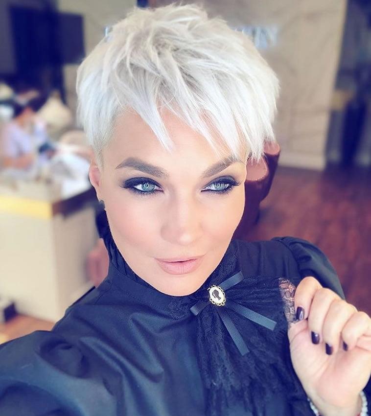 Trendy stylish haircuts for short hair 2020: photos,ideas ...