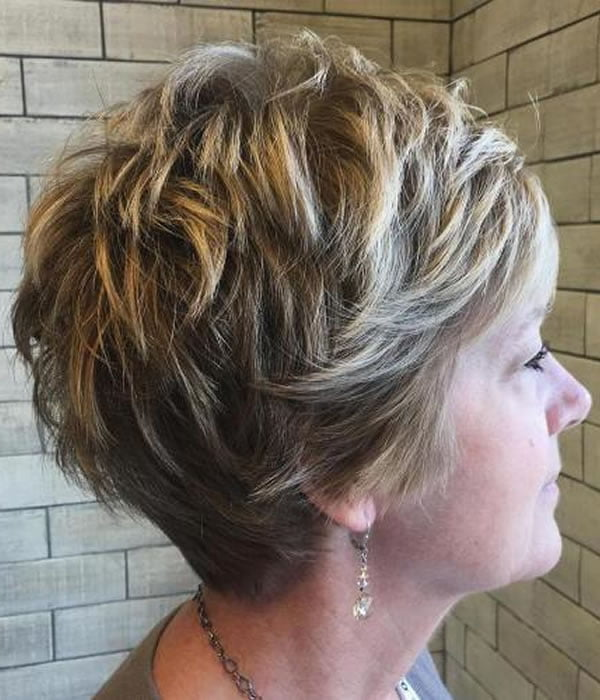 Trendy Short haircuts for women over 60 for 2020; Pixie ...
