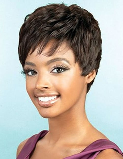 Cool short pixie haircut for black women over 40