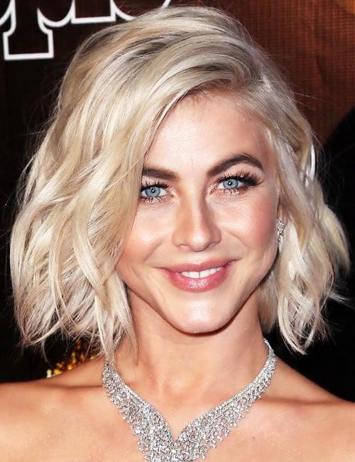 Layered blonde hair color short bob haircut 2019-2020