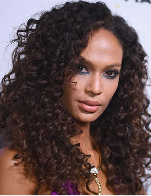 Natural curly hairstyles for latina girls 2019-2020