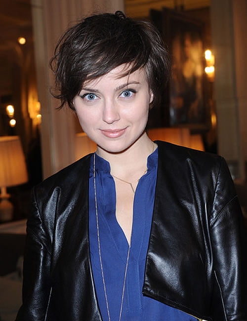 Short haircuts and hair colors for women 2020