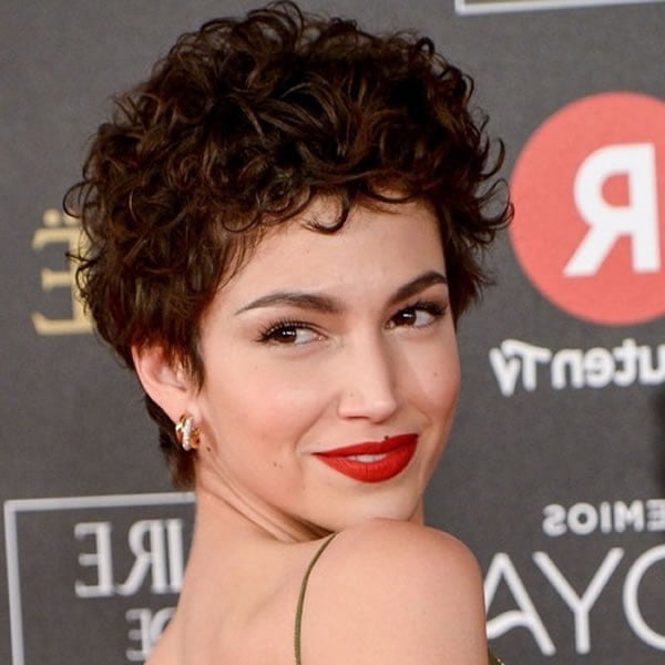 Curly Short haircuts for women in 2021-2022