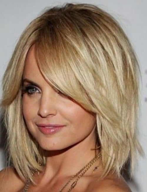 Shoulder length hairstyles for women 2021-2022